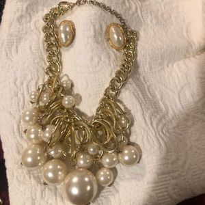 Giant pearl necklace and earring set